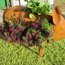 Rusted Metal and Wire Pig Figurine/Planter - Medium