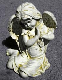 Angel Sitting Large