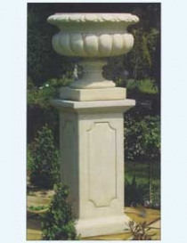 Scanlan Urn with Spencer Pedestal