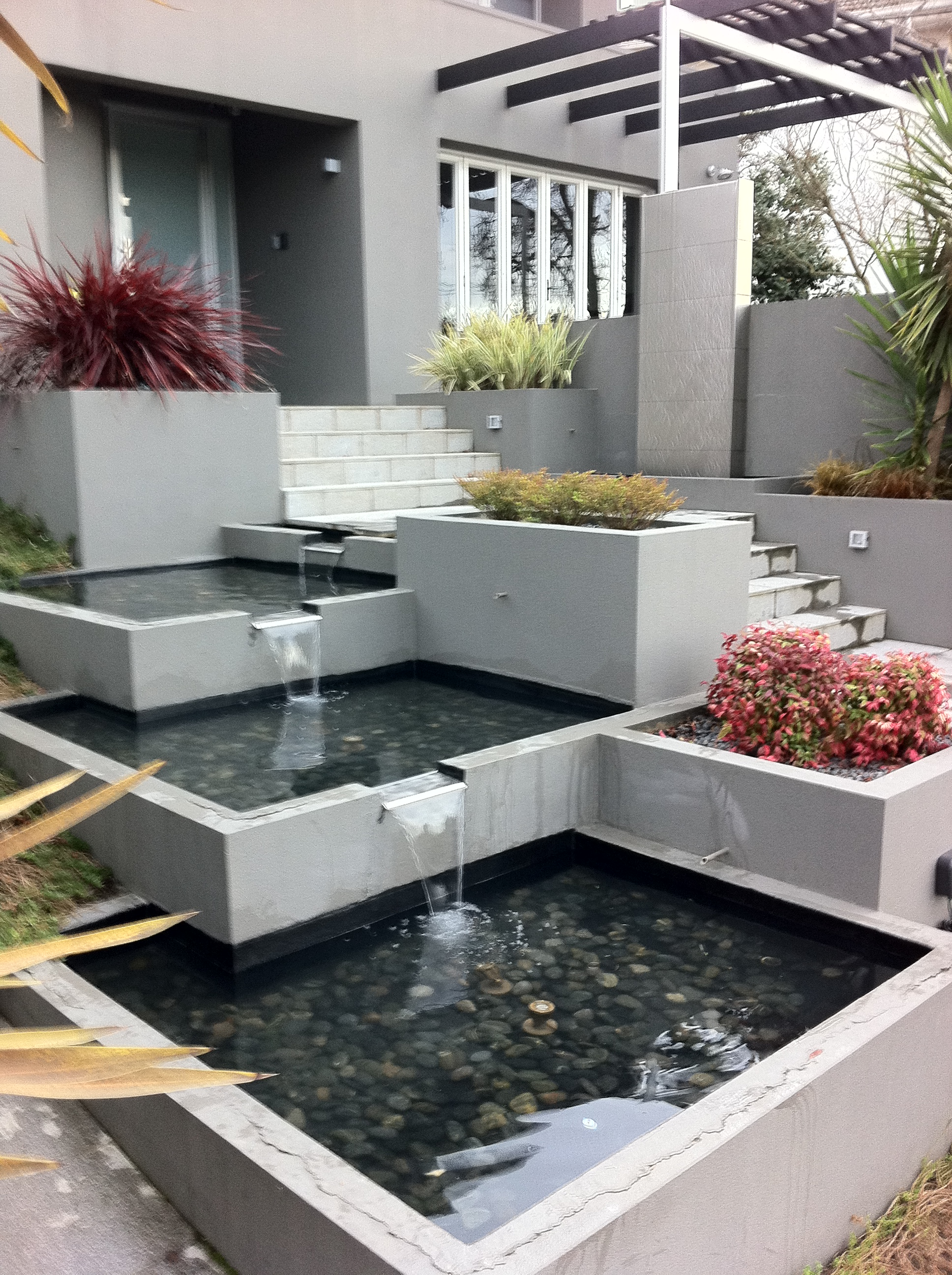 Stainless Steel Waterwall With Linked Base Pond Spillways